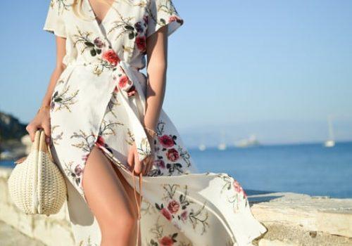 10 piese de bază pentru garderoba unei femei